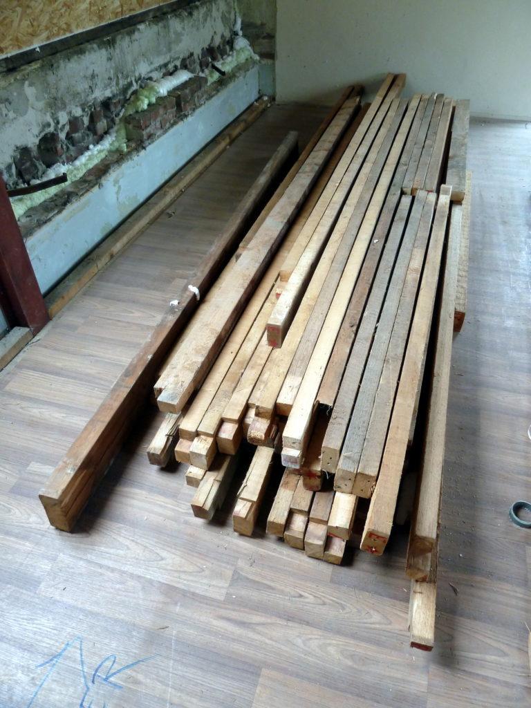 het sloophout wordt hergebruikt